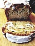 Plasterki świeży ciasto chleb zdjęcia stock