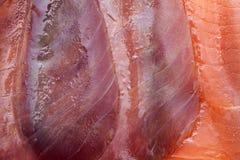Plasterki grubas dymiąca ryba zdjęcia stock