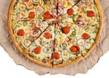 Plasterki pizza na papierowym białym tle Fotografia Royalty Free