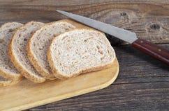 Plasterki pszeniczny chleb z otręby fotografia royalty free