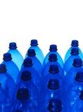 plastic blåa flaskor Royaltyfria Bilder