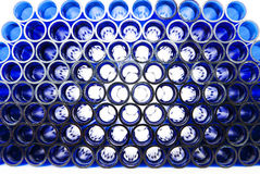 plastic blåa rør Arkivfoton