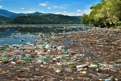 plastic föroreningvatten Arkivfoto