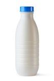 Plastic fles met blauw deksel voor zuivelvoedsel Stock Afbeeldingen