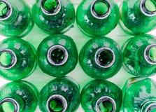 Plastic fles verontreiniging en recycling royalty-vrije stock foto's