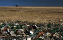 Plastic glass  metal and paper waste on the lakeside Panorama Stock Photos