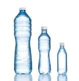 Plastic waterflessen Stock Foto's