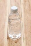 Plastica delle bottiglie di acqua Immagini Stock