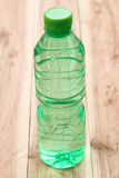 Plastica delle bottiglie di acqua Immagine Stock
