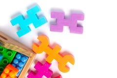 Plastica variopinta del giocattolo su fondo bianco Fotografia Stock Libera da Diritti