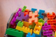 Plastica variopinta del giocattolo su fondo bianco Fotografie Stock Libere da Diritti