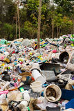 Plastik in der Natur Stockbilder