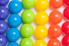 Plastik farbige Kugeln Stockfotografie