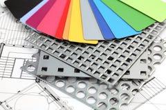 Plastik, perforiertes Metall u. Plan lizenzfreie stockfotos