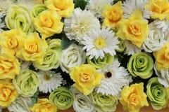 Plastikblumen, Blumenstraußblumen für Hintergrund Lizenzfreie Stockbilder