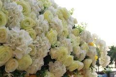 Plastikblumen, Blumenstraußblumen für Hintergrund Stockfotografie