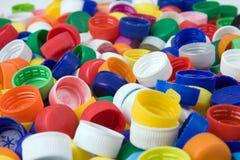 Plastikflaschenkapseln stockbild