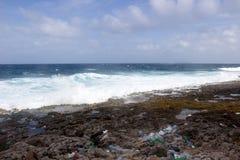 Plastikküstenlinie Kaiman-Insel Lizenzfreie Stockfotografie