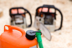 Plastikkanister für Brennstoff Lizenzfreie Stockfotos