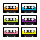 Plastikowa taśmy dźwiękowa kaseta Retro muzyczny ikona set Magnetofonowy element 80s 90s rok Różny koloru szablon Płaski projekt  Zdjęcia Royalty Free