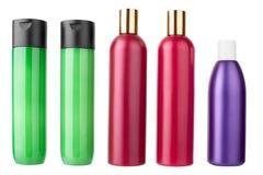 Plastikshampoo, Pflegespülungsflaschen, Duschgel, befeuchtende Lotionsschablone aufgestellt auf weißer Hintergrund lokalisiertem  lizenzfreies stockbild