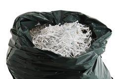 Plastiktasche füllte mit zerrissenem Papier Lizenzfreie Stockfotografie
