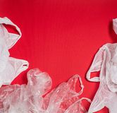 Plastiktaschen und Flaschen stockfotos