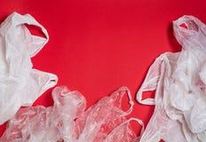 Plastiktaschen und Flaschen stockbild