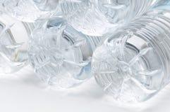 Plastikwasser-Flaschen-Unterseiten Lizenzfreie Stockfotos