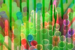 plastique de pailles de paille buvant à usage unique pleine page coloré de fond illustration de vecteur