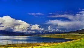 Platå sjöar - Qinghai sjö Royaltyfria Bilder