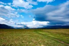 Platô em montanhas de Ketmen, Cazaquistão Imagem de Stock Royalty Free