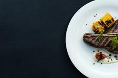 Plat américain de viande de qualité de barbecue de bifteck de nervure Images libres de droits
