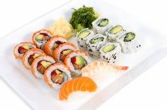 Plat assorti de sushi Image stock