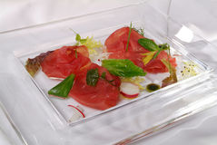 Plat av italiensk skinka Arkivfoto