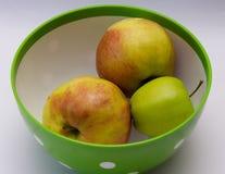 Plat avec des pommes Photo libre de droits