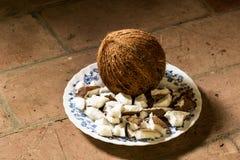 Plat avec la noix de coco Photos stock