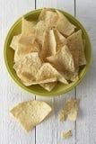 Plat complètement des puces de tortilla Images libres de droits