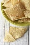 Plat complètement des puces de tortilla Image stock