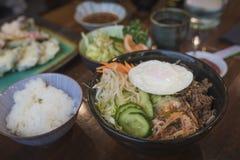 Plat coréen de bibimbap image libre de droits
