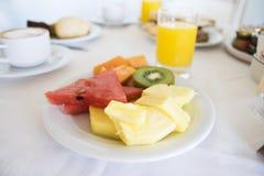 Plat délicieux de fruit Photographie stock libre de droits