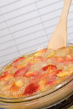 Plat de dessert de cordonnier de pêche Images stock