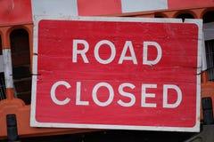 Plat de l'information sur la fermeture de la route photo stock