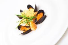 Plat de mollusques et crustacés Photo stock