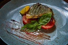 Plat de poisson Les poissons frits Image libre de droits
