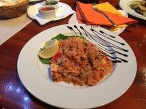 Plat de riz avec des fruits de mer Photographie stock libre de droits