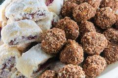 Plat des gâteaux, pâtisseries Photos stock