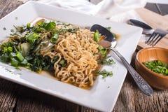 Plat des nouilles de friture de Stor d'Asiatique Photographie stock
