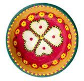 Plat handcrafted coloré peint par poterie photos libres de droits