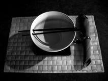 Plat japonais en noir et blanc Images stock